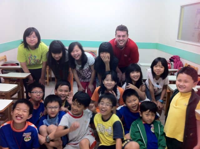 Taiwan English Teachers Develop Artistic Side